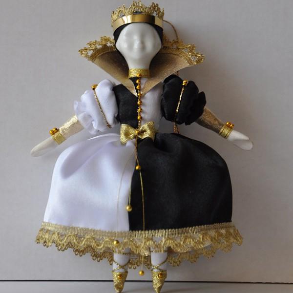 Кукла подвеска Королева