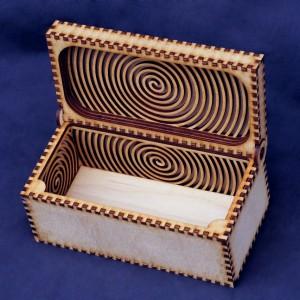 Шкатулка-коробка с внутренним узором и магнитным замком